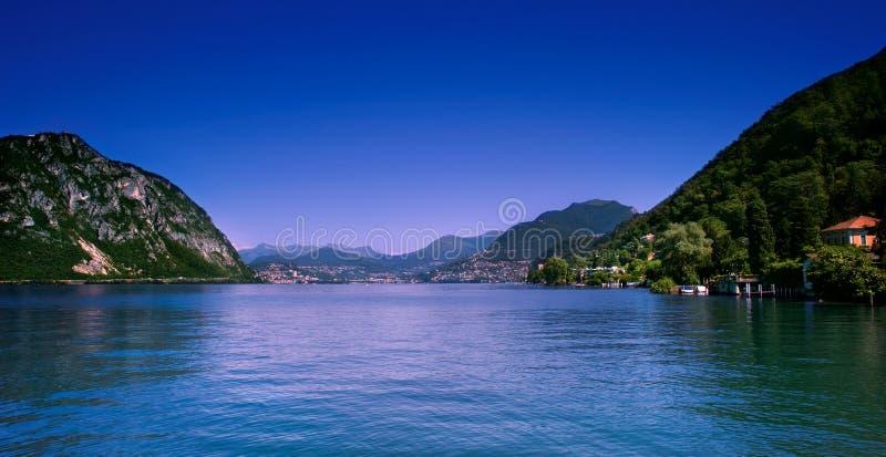 Download Lugano-Stadt und See stockbild. Bild von ufergegend, schweizer - 11034049