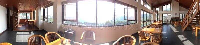Lugar calmo da montanha subida da pensão da estada da casa fotografia de stock