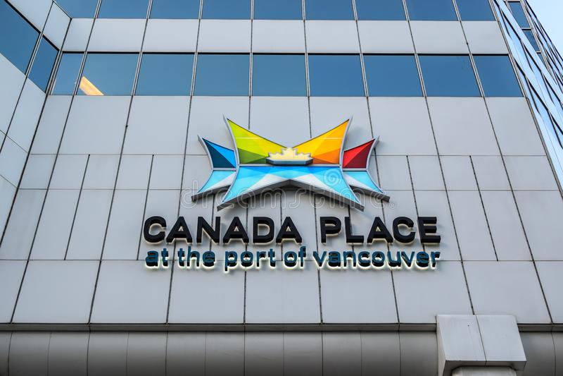 Lugar de Canadá no porto do centro de convenção de Vancôver - de Vancôver e do porto do navio de cruzeiros imagem de stock
