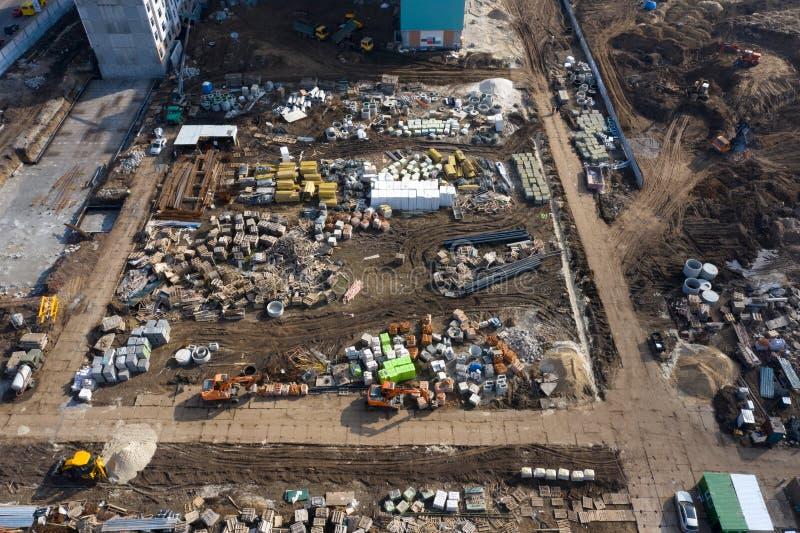 Lugar de construcción, equipo y materiales, vista superior fotos de archivo