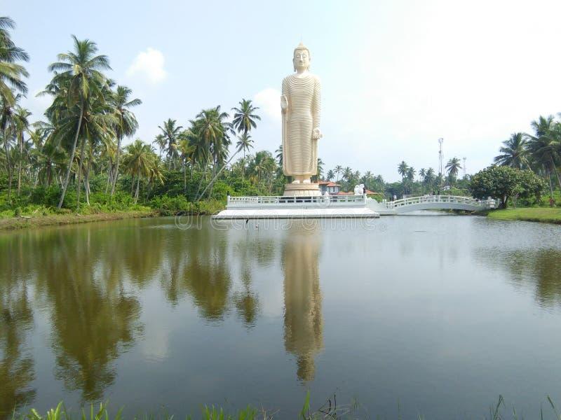 Lugar de culto budista bonito da foto cingalesa imagem de stock royalty free
