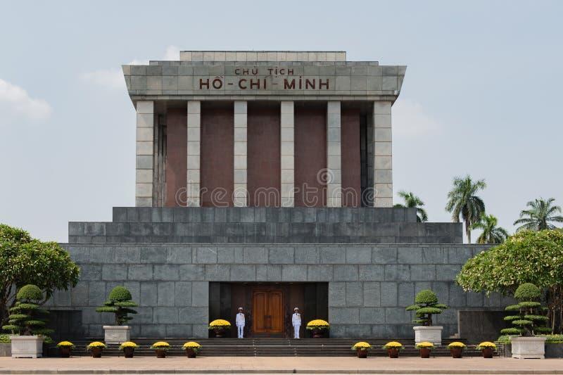 Lugar de Dinh dos vagabundos do mausoléu de Ho Chi Minh no centro de Hanoi imagem de stock royalty free