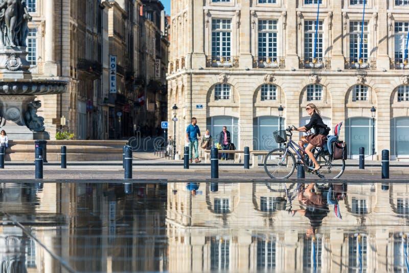 Lugar de la a Bolsa no Bordéus, França o 20 de setembro de 2015 fotos de stock