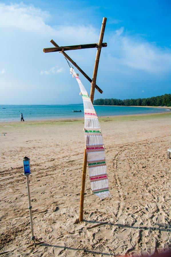 Lugar de la ceremonia de boda en una playa tropical en Tailandia imagenes de archivo