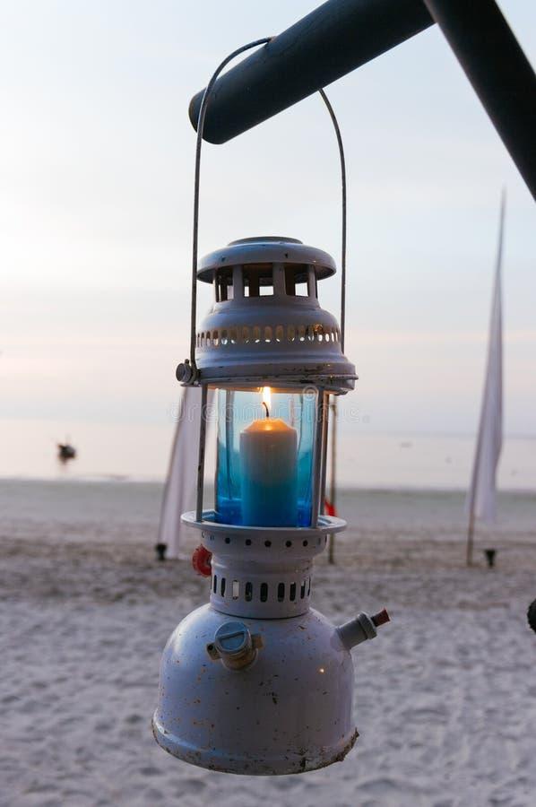 Lugar de la ceremonia de boda en una playa tropical en Tailandia imagen de archivo libre de regalías
