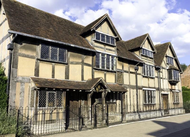 Lugar de nacimiento de los €™s de William Shakespeareâ - casa de entramado de madera del siglo XVI imagen de archivo