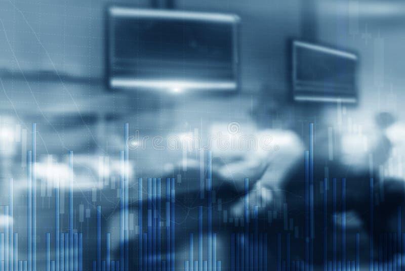 Lugar de trabajo con los ordenadores Monitores del fondo de los comerciantes comunes ilustración del vector