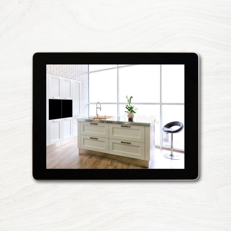 Lugar de trabajo del diseñador con la tableta digital fotos de archivo libres de regalías
