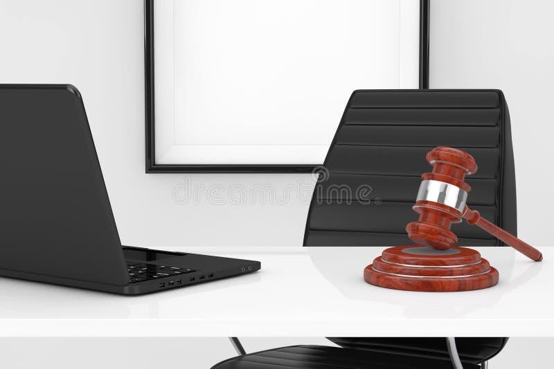 Lugar de trabajo de la justicia y del concepto de la ley Justicia Gavel y ordenador portátil o stock de ilustración