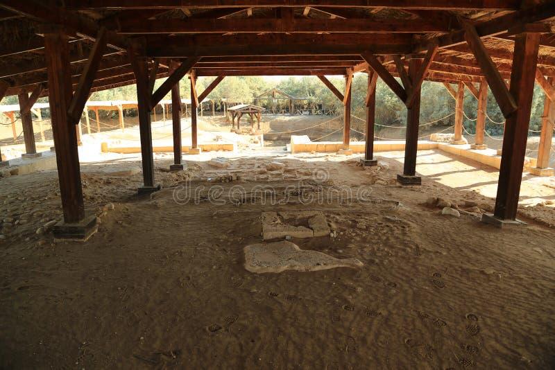 Lugar histórico del bautismo de Jesus Christ en Jordania imagenes de archivo