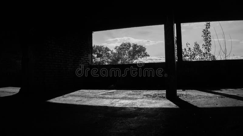 Lugar inexplorado Edificio-abandonado en-UNO stockbilder