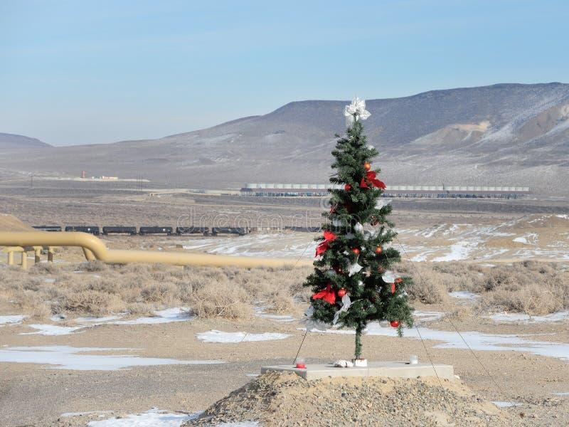 Lugar inusual para un árbol de navidad imágenes de archivo libres de regalías
