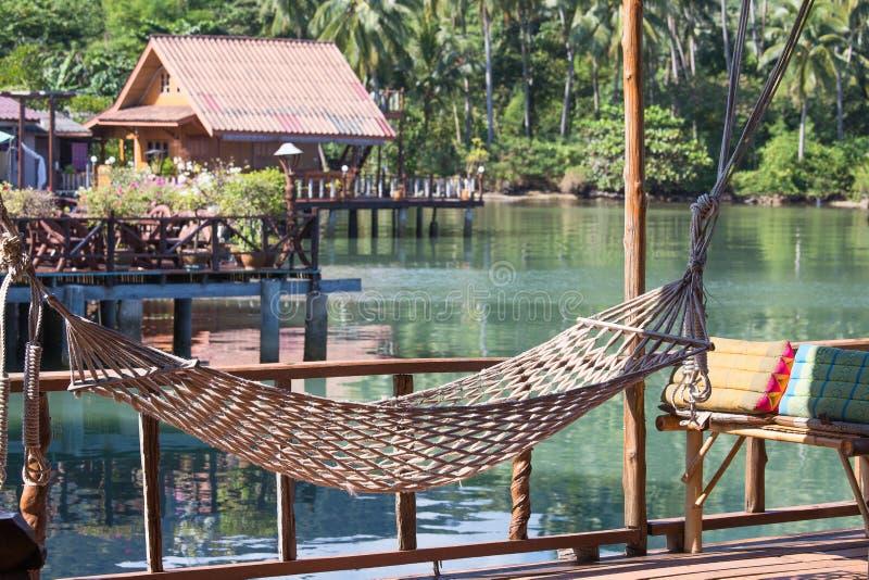 Lugar maravilhoso para o abrandamento na ilha Koh Chang, Tailândia imagem de stock royalty free