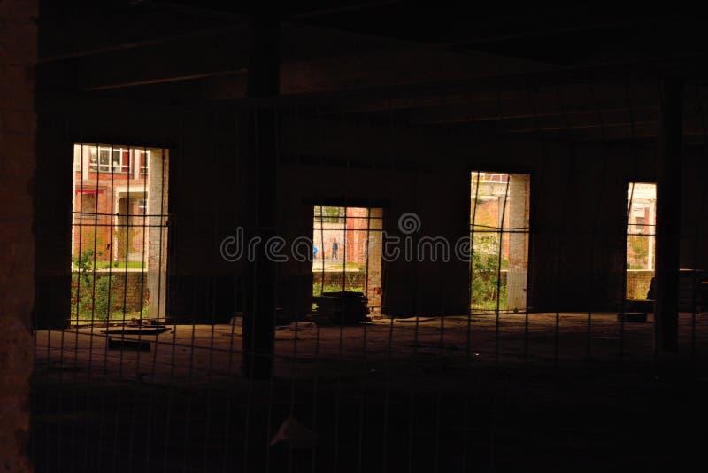 Lugar oscuro vacío solitario foto de archivo