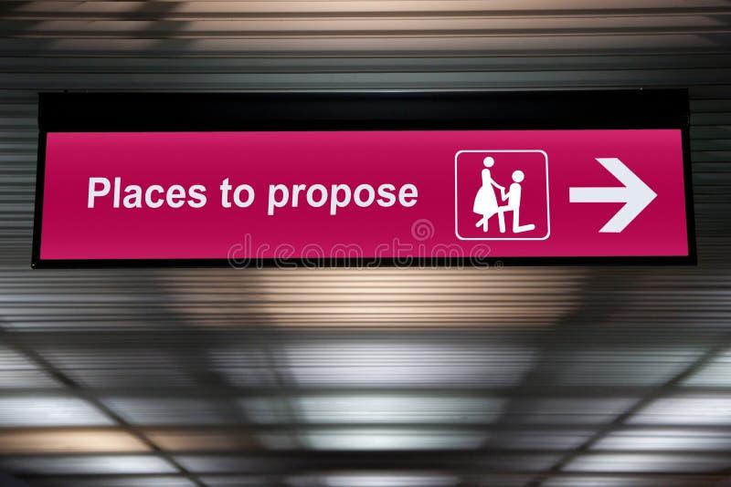 Lugar rosado para proponer la muestra, concepto de la boda de la oferta imagenes de archivo
