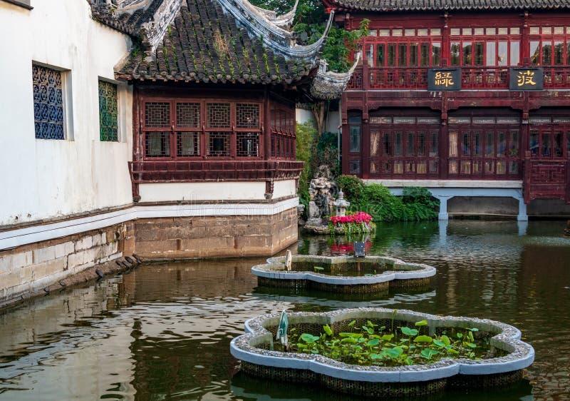 Lugar turístico famoso popular del jardín Shangai vieja, China de Yuyuan imagenes de archivo