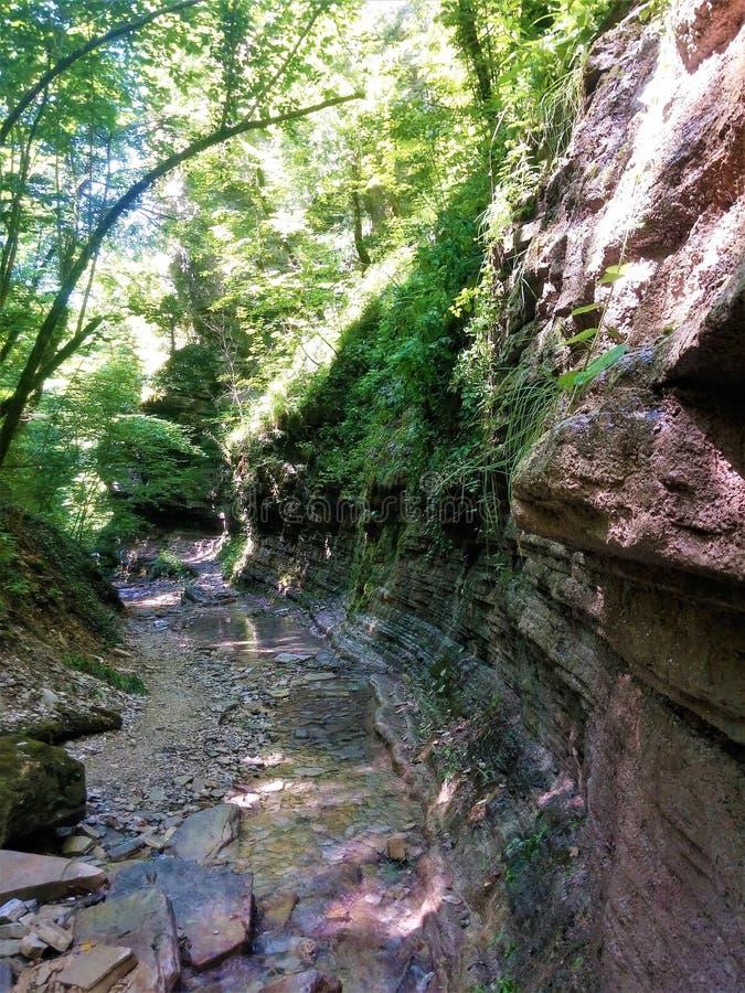 Lugares muy hermosos en las montañas foto de archivo libre de regalías