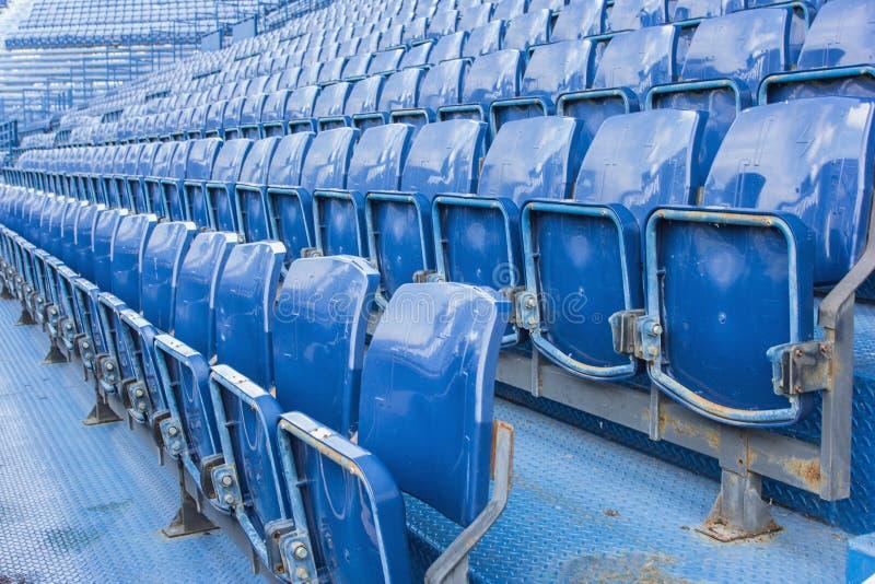 Lugares vazios no estádio de futebol imagens de stock