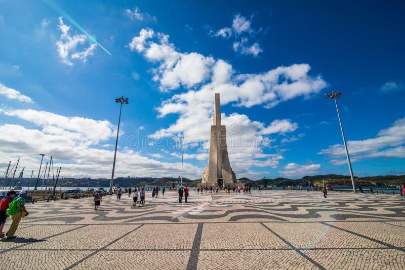 10 luglio 2017 - Lisbona, Portogallo il monumento alle scoperte a Belem Lisbona immagini stock libere da diritti