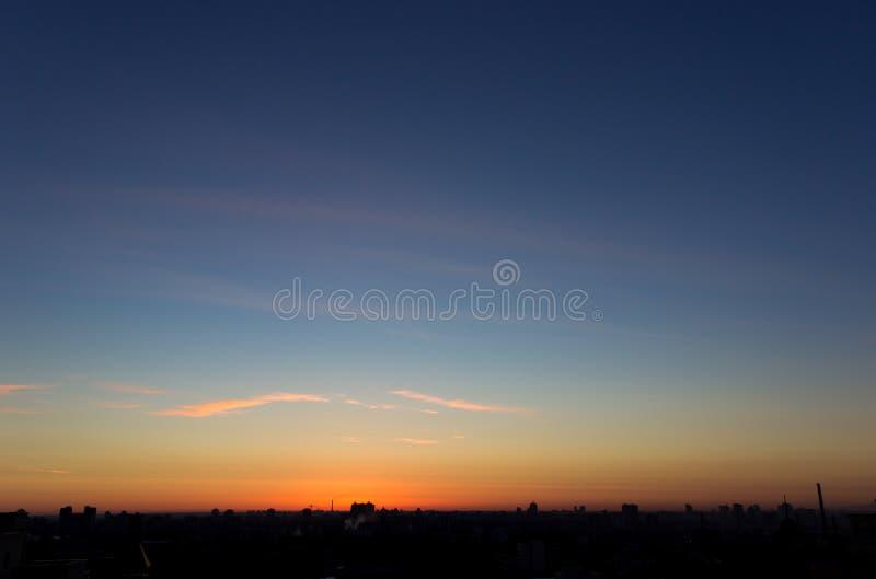 Lugna morgon Cloudscape arkivfoto
