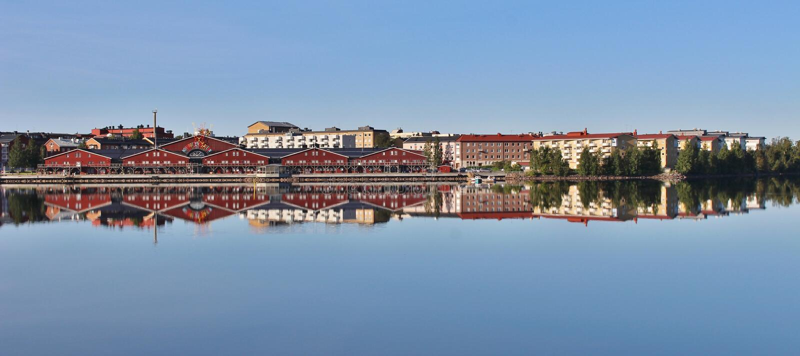 Lugna sommarmorgon i Luleå royaltyfria foton