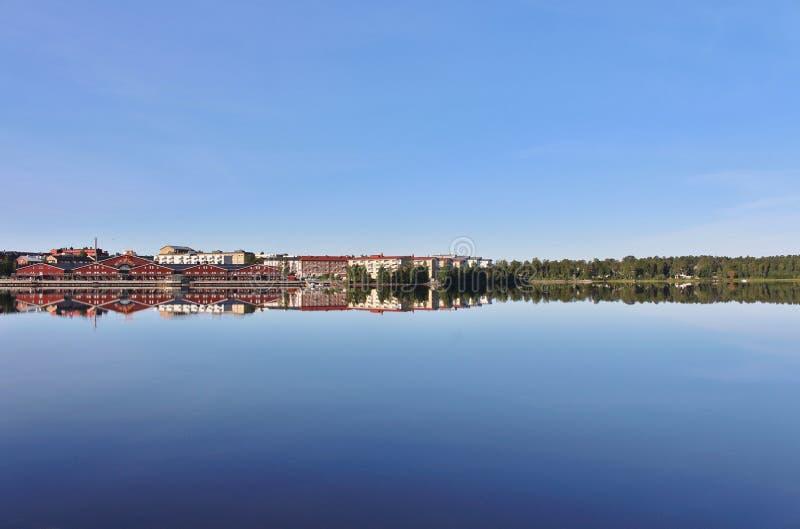 Lugna sommarmorgon i Luleå arkivfoto