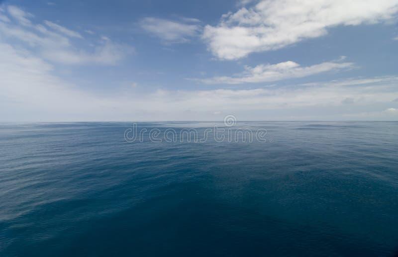 lugnat hav arkivbild