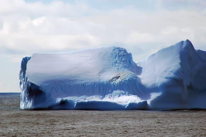 lugnat isbergvatten arkivbilder