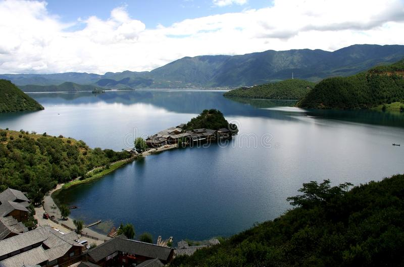Lugu jezioro, Lijiang, Yunnan, Chiny zdjęcie stock
