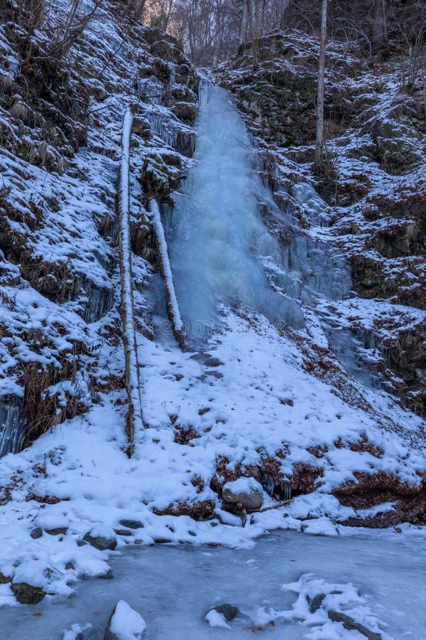 Lui Stan Gorge nell'inverno, Romania di Valea fotografie stock