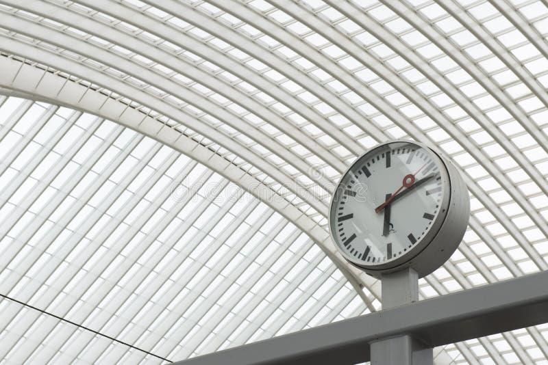 Luik-Guillemins modern järnvägsstation Liège-Guillemins royaltyfria foton