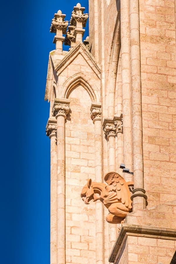 Lujan, Buenos Aires, Argentinien, am 7. April 2019: Detail gotischer Lujan-Basilika nahe Buenos Aires, Argentinien lizenzfreies stockbild