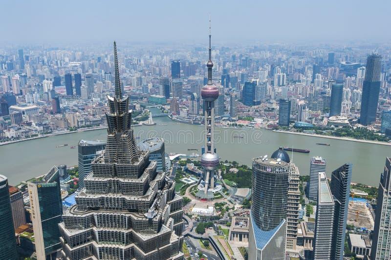 Lujiazui rond door Huangpu rivier-Shanghai financiëncentrum stock afbeelding