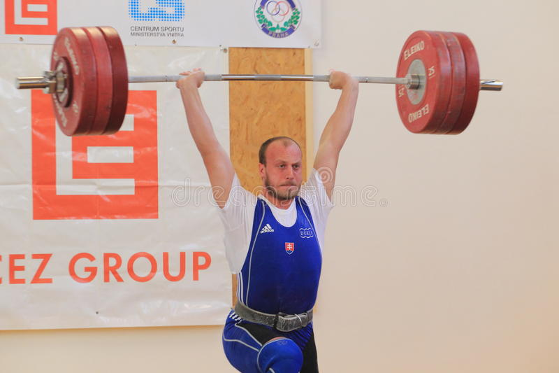 Lukas Kozienka - levantamiento de pesas imagenes de archivo