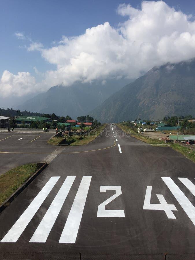 Lukla flygplats Nepal royaltyfri fotografi