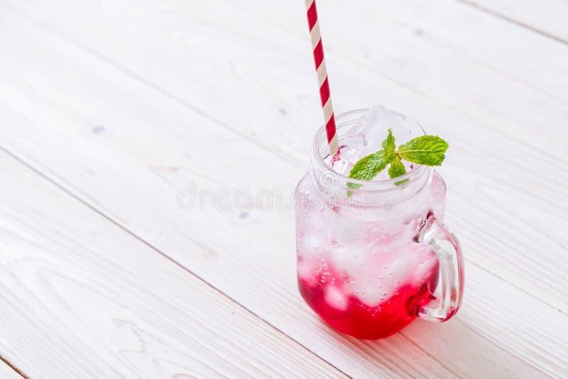 Lukrowa truskawkowa soda obraz royalty free