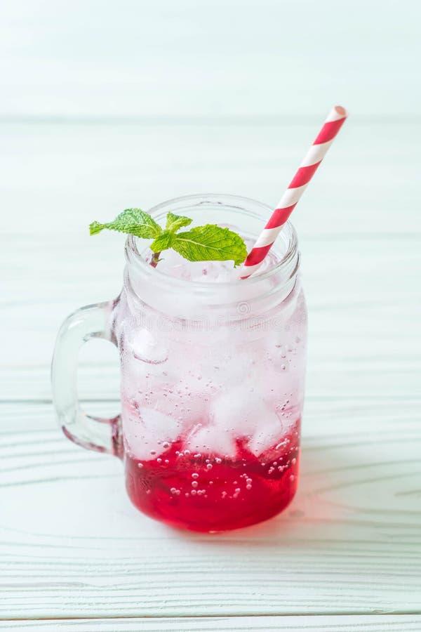 Lukrowa truskawkowa soda fotografia stock