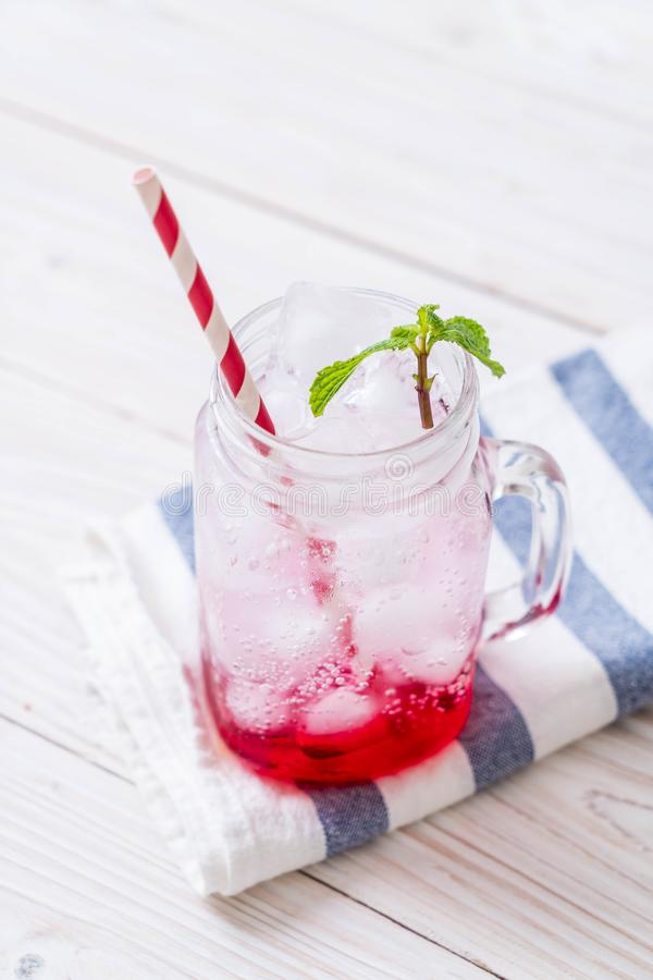 Lukrowa truskawkowa soda obrazy royalty free