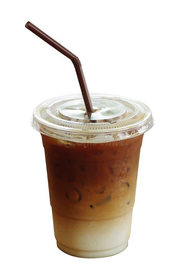 Lukrowy kawowy latte w plastikowej filiżance odizolowywającej na białym tle, c obraz royalty free