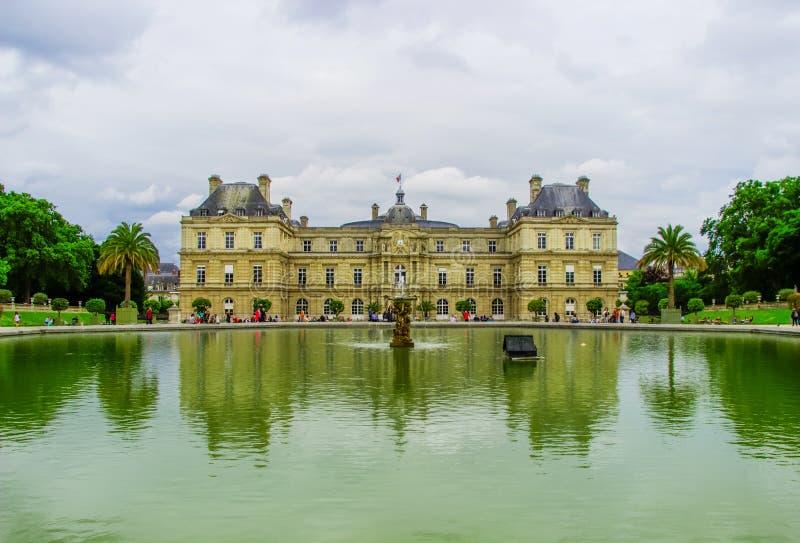 Luksemburg pałac w Luksemburg ogródach Paris france fotografia stock