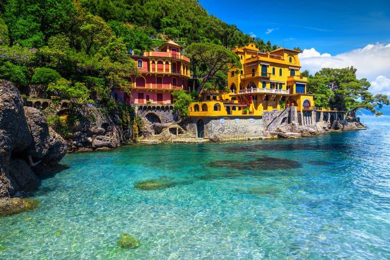 Luksus i spektakularny plaża stwarzamy ognisko domowe blisko Portofino kurortu, Liguria, Włochy fotografia royalty free