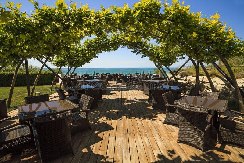 Luksusowa kawiarnia na plaży zdjęcie stock