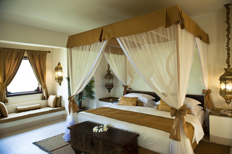 Luksusowa orientalna hotelowa sypialnia fotografia stock