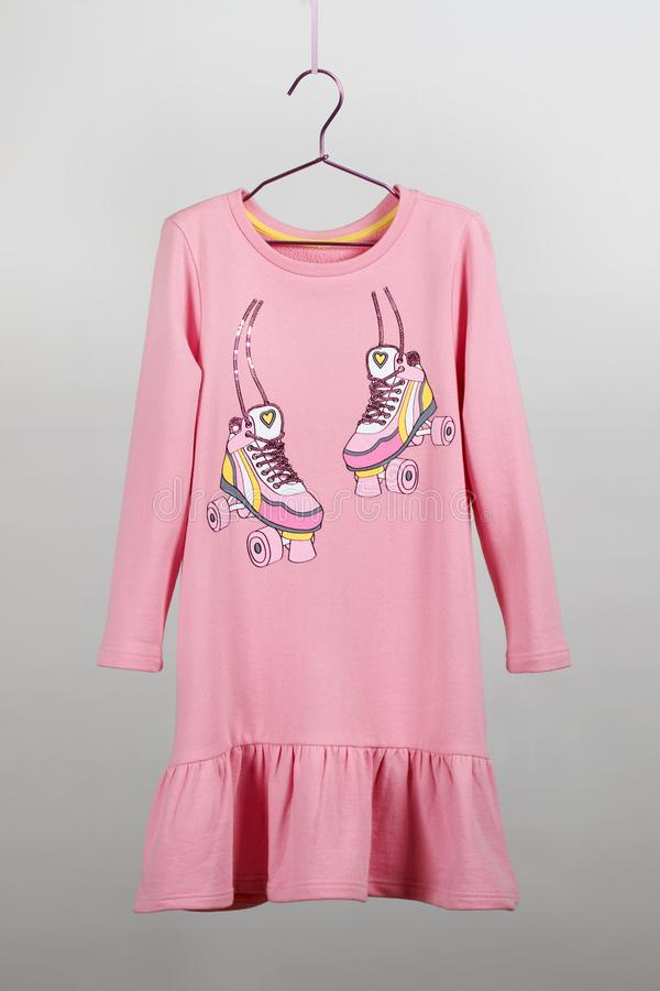 Luksusowa szyk spódnica z bluzką dla dziewczyn tiul Children kamera, magiczna różdżka, akcesoria zdjęcia royalty free