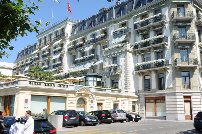 Luksusowego hotelu Des tercety Couronnes w Vevey mie?cie przy Jeziornym Genewa s? belle epoque budynkiem zdjęcie stock