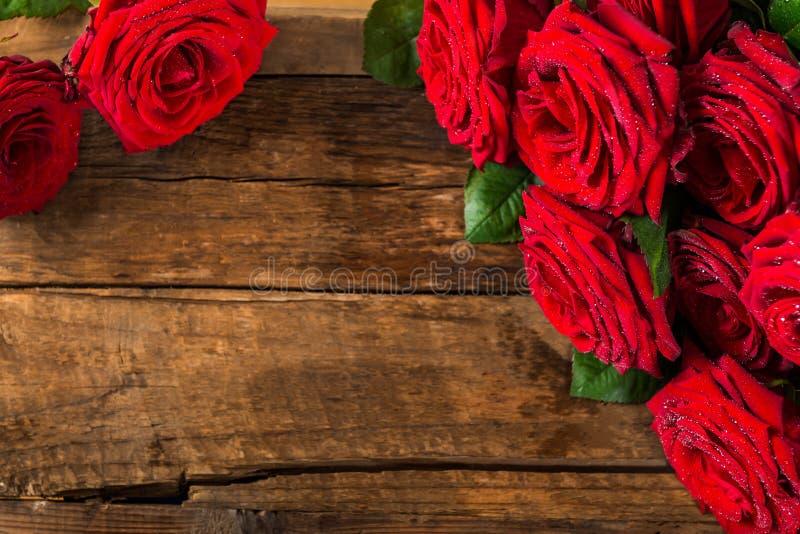 Luksusowy bukiet robić czerwone róże fotografia stock