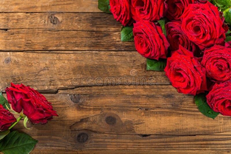Luksusowy bukiet robić czerwone róże zdjęcia stock