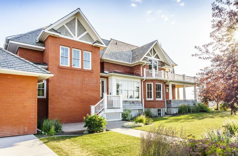 Luksusowy cegła dom, Kanada obraz stock