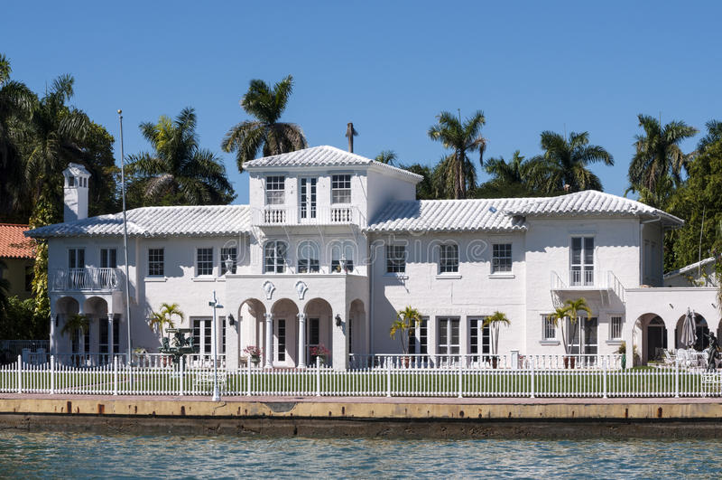 Luksusowy dwór na Gwiazdowej wyspie w Miami zdjęcia stock