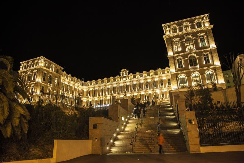 Luksusowy hotel przy nocą zdjęcie royalty free